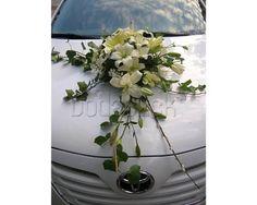 Arreglo floral para auto de la novia