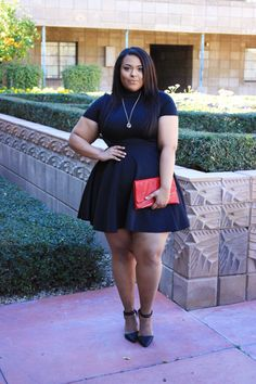 Stylish black dresses for the plus size ladies in 2019 women Curvy Girl Fashion, Fashion Mode, Look Fashion, Fashion Outfits, Fashion Black, Ladies Fashion, Womens Fashion, Fashion Trends, Look Plus Size