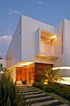 Casa LH by Divece Arquitectos Contemporary minimalism Architecture (Simple, clean lines & easy on the eye design. Architecture Design, Beautiful Architecture, Residential Architecture, Contemporary Architecture, Beautiful Buildings, Contemporary Design, Modern Exterior, Exterior Design, Modern House Design