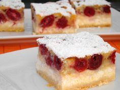 Milánói rétes recept Hungarian Desserts, Hungarian Recipes, Hungarian Food, Fun Desserts, Dessert Recipes, Eat Pray Love, Cake Bars, Cheesecake, Food And Drink