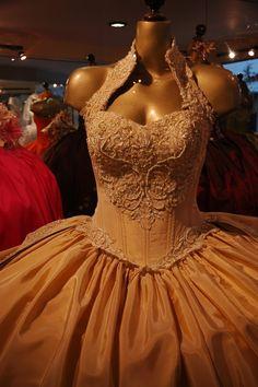 Ich cena potrafi przyprawić o ból głowy. Przedstawiamy zestawienie najdroższych sukienek świata.  Pozdrawiamy, Lattore.pl  #eleganckaodzieżdamska