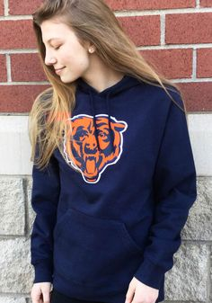 Majestic Chicago Bears Mens Navy Blue Tek Patch Long Sleeve Hoodie - Image 1 Funny Hoodies, Funny Sweatshirts, Hooded Sweatshirts, Chicago Bears T Shirts, Nfl Chicago Bears, Chicago Shopping, Beer Shirts, Cheer, Navy Blue