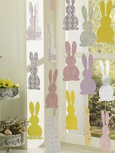 Easter decoration: some simple and stylish Easter decoration ideas .- Osterdekoration: einige einfache und stilvolle Osterdeko Ideen Make Easter garlands yourself, cut out colored paper bunnies - Easter Egg Crafts, Easter Bunny, Easter Garland, Pottery Barn Inspired, Diy For Kids, Diy And Crafts, Diy Projects, Home Decor, Decor Ideas