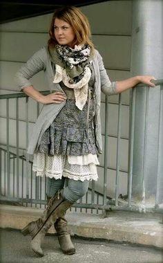 Chic Fashion Frugal Bohemian Fashion Tips and Tricks For Women - Quirky Bohemian Mama Boho Chic, Bohemian Mode, Bohemian Style, Bohemian Lifestyle, Lifestyle Blog, Bohemian Clothing, Bohemian Fashion Styles, Shabby Chic Fashion, Shabby Chic Outfits