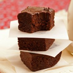 Triple Chocolate No-Bake Brownies  @louise living Nutrition