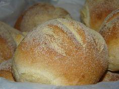 Portuguese Sweet Bread, Portuguese Recipes, Bread Cake, How To Make Bread, Bread Making, Sin Gluten, Coffee Cake, Waffles, Good Food