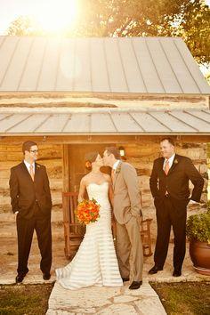 24-wedding-couple-cabin-groomsmen-sunlight