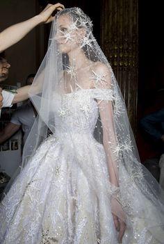 29 Times We Fell For Celestial Bridal Dresses and Accessories Luxury Wedding Dress, Black Wedding Dresses, Princess Wedding Dresses, Elegant Wedding Dress, Bridal Dresses, Backless Wedding, Wedding Veils, Starry Night Wedding, Mermaid Dresses