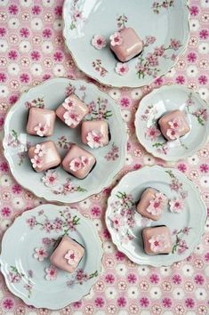 cherry blossom petit fours. These are utterly gorgeous! Perfect for a spring tea Cherry Blossom Cake, Cherry Blossom Wedding, Cherry Blossoms, Pretty Cakes, Beautiful Cakes, Mini Cakes, Cupcake Cakes, Tea Cakes, Peggy Porschen Cakes