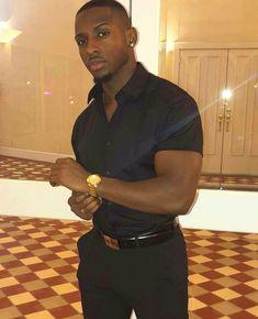 goal arms and chest Dark Skin Men, Dark Men, Hot Black Guys, Hot Guys, Black Man, Black Is Beautiful, Gorgeous Men, Love My Man, Hunks Men