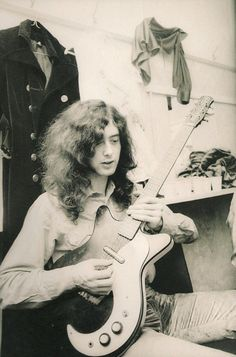 """Jimmy Page used a modified 59 DC Danelectro in studio when he was a session guitarist, and for live performances of """"Kashmir"""" and """"White Summer, Black Mountainside"""" with Led Zeppelin"""