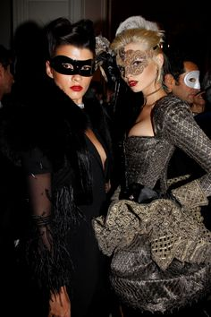 I nearly hyperventilated when I saw the photos from Vogue Paris Anniversary eyes wide-shut themed party. I think Vogue Paris Editor-. Bal A Versailles, Eyes Wide Shut, Masquerade Ball, Masquerade Party Outfit, Masquerade Costumes, Anniversary Parties, Vogue Paris, Dandy, Mardi Gras