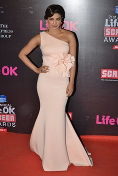 Priyanka Chopra was clicked at the Annual Life OK Screen Awards held in Mumbai. The actress wore a custom Gauri & Nainika gown. Bollywood Celebrities, Bollywood Fashion, Bollywood Actress, Priyanka Chopra Red Carpet, Priyanka Chopra Dress, Fairytale Gown, Western Gown, Western Wear, Red Carpet Gowns