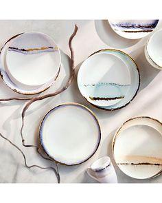 Fine bone China.    (Dinner plates with border only)