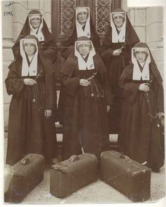 """Catholic Sisters in America.""""Another mission assignment already.you can tell I'm really pleased about it"""" ; Presentation Pictures, Daughters Of Charity, Nuns Habits, Community Nursing, Corporate Women, Bride Of Christ, Catholic Religion, Renaissance Paintings, Catechism"""