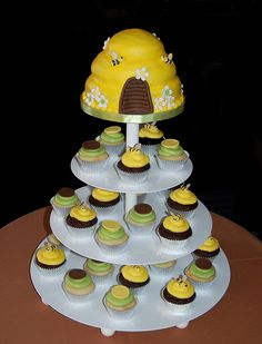 Lov this Bunnble Bee themed cake and cupcakes brown and green bee themed baby shower cupcake tower | Flickr - Photo Sharing!