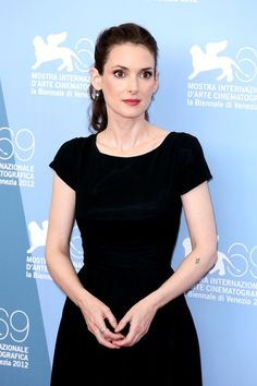 """Winona Ryder shows off her arm tattoo at the """"The Iceman"""" Photocall during The Venice Film Festival Beautiful Celebrities, Most Beautiful Women, Winona Ryder Style, Winona Forever, The Iceman, Gamine Style, Britney Jean, Rupaul, Wow Products"""