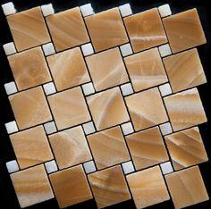 Mozaika marmurowa -  Kolekcja: Tetra 5015 Wave; Kod: TW501510; Wykończenie: ANTICO; Materiał: Onyx Yellow, Thassos Snow White; Wym. Kostki: 5,0x5,0 cm, 1,5x1,5 cm; Wym. Plastra:  28,7x28,7 cm