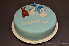 Jonathanin ristiäiskakku Birthday Cake, Baby Shower, Desserts, Food, Babyshower, Tailgate Desserts, Deserts, Birthday Cakes, Essen