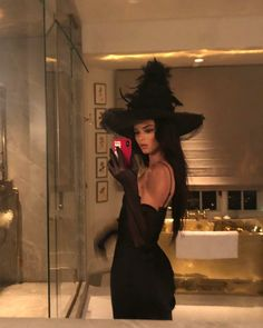 angel halloween costumes Witchin from Kardashian-Jenner Sisters Celebrate Halloween 2018 Halloween 2018, Looks Halloween, Cute Halloween Costumes, Celebrity Halloween Costumes, Halloween Halloween, Black Angel Halloween Costume, Cute Witch Costume, Spooky Costumes, Party Costumes