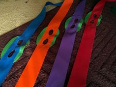 This looks near, glued to a party mask Turtle Birthday Parties, Ninja Turtle Birthday, Ninja Turtle Party, Birthday Ideas, Superman Halloween Costume, Halloween Costumes, Kids Party Themes, Party Ideas, Ninja Party