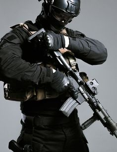 Killed 5 enemies within 100 Seconds Military Police, Military Weapons, Ghost Soldiers, Swat Police, Police Officer, Military Special Forces, Ange Demon, Templer, Army Wallpaper
