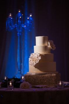 A simple yet stunning wedding cake {Lisa Mark Photography}