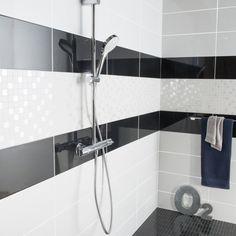 42 Ideas bathroom bathtub decor towel racks for 2019 Bathtub Decor, Toilet Design, Sink, House Design, Shelves, Black And White, Bathroom, Leroy Merlin, Home Decor
