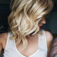 cabelo curtinho e ondulado