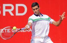 Victor Hănescu l-a învins pe Matthias Bachinger Tennis Racket, Victoria, Sports, Tennis, Hs Sports, Excercise, Sport, Exercise, Victoria Falls
