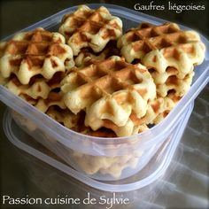 The Ligeoises waffles of my grandmother Cake Mix Cookies, Cheat Meal, Pancakes And Waffles, Breakfast Dishes, Biscuits, Salad Recipes, Bakery, Good Food, Brunch