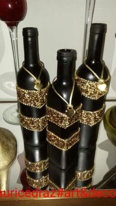 Hunting for wine bottle designs?, this round right up has you covered from Do it yourself glasses to effectively definitely stylish cheddar dairy product trays. Wine Bottle Glasses, Wine Bottle Art, Diy Bottle, Recycled Glass Bottles, Glass Bottle Crafts, Painted Wine Bottles, Gold Bottles, Bottles And Jars, Fun Easy Crafts