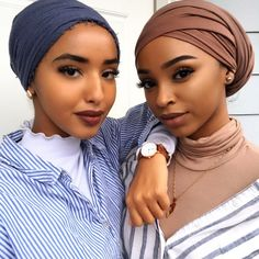 This Headwrap African super wax fabric is a great way to bring a cultural flavor. - It's A Wrap - Head Wraps Turban Mode, Turban Hijab, My Hairstyle, Scarf Hairstyles, Black Girl Magic, Black Girls, Hair Wrap Scarf, Head Scarf Styles, African Head Wraps