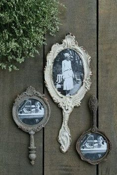 Hand Mirror Photo Frames – farmhouse – frames – other metro – by A Cottage in th… Handspiegel Bilderrahmen – Bauernhaus – Rahmen – andere Metro – von A Cottage in the City Objets Antiques, Decoration Shabby, Shabby Chic Wall Decor, Mirror Photo Frames, Bathroom Picture Frames, Pictures For Bathroom Walls, Framed Mirrors, Bathroom Images, Wall Pictures