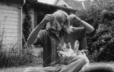 13 Rare Candid Photos Of Kurt Cobain Playing With His Cats - World's largest collection of cat memes and other animals American Black Bear, Spirit Bear, Nirvana Kurt Cobain, Western Coast, Post Animal, Saturday Morning Cartoons, 90s Cartoons, Cat People, Albino