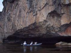Bienvenido al sitio oficial de las Cavernas de Vallemí ¡¡¡  en esta pagina encontrarás todas las informaciones que necesitas acerca de las unicas cavernas en el Norte de Paraguay y sus tours. Estas cavernas estan localizados en el Departamento de Concepción.