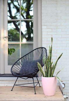Acapulco chair, Modern Pink Planter