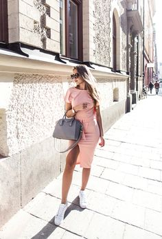 How to Wear Pink This Summer: 25 Perfect Outfit Ideas to Copy Now | StyleCaster