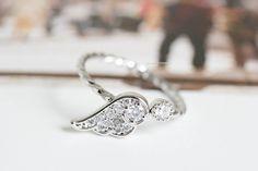 aile d'ange anneau d'articulation, bague aile d'ange, la bague de l'aile, l'anneau d'articulation, bague de fusée cz, bague cz, bague réglable, anneau extensible, anneau de bijoux  PRIX EST...