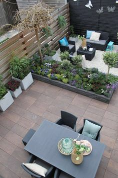 Small Backyard Patio Ideas Patio Ideas for Small Backyards Small Backyard Patio Ideas. Ideas for small backyard patios are endless! Don't be discouraged if your backyard is tiny and you think… Small Backyard Design, Backyard Patio Designs, Small Backyard Landscaping, Landscaping Ideas, Small Patio, Patio Ideas, No Grass Backyard, Sloped Backyard, Modern Backyard