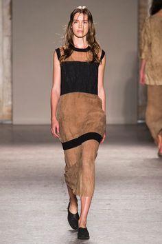 Défilé Uma Wang, prêt-à-porter printemps-été 2015, Milan. #MFW #Fashionweek #runway