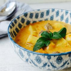 """#RecipeoftheDay: Slow Cooker Massaman Curry by vickys - """"A lovely, satisfying, aromatic curry."""" - Mirrabelle"""