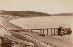 Barrenjoey Wharf in the Northern Beaches region of Sydney in from State Library of NSW. Avalon Beach, Sydney Beaches, Historical Images, Back In The Day, Cool Eyes, Palm Beach, Old Photos, North Shore, Scenery