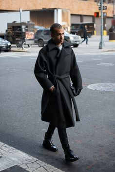 http://chicerman.com  meninthistown:  Charcoal.  #menscasual