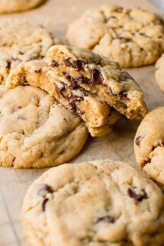 Soft Chocolate Chip Cookies, Chocolate Cookie Recipes, Peanut Butter Cookie Recipe, Easy Cookie Recipes, Good Healthy Recipes, Homemade Chocolate, Chewy Peanut Butter Cookies, Peanut Butter Chips, Chocolate Chocolate