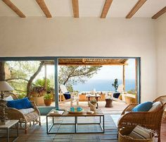 Simple Mediterranean Style Decor Island Home