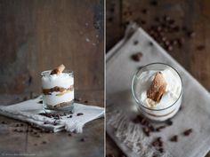 Cantuccini-Espresso-Tiramisu | Zutaten für 1 Glas:  1 Handvoll #Cantuccini  5 EL #Mascarpone  2 EL #Magerquark  1 EL #Zucker  1 EL #Milch  1 Tasse #Espresso