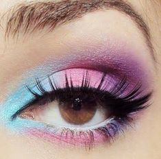 SeXXXy Eyes!!