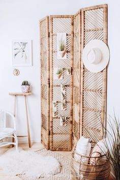 Create a boho desert oasis in your home with these rustic ceramic wall planters by Carter & Rose. These vessels come with an air plant and are ready to mount for an easy update to any home. View the e Home Decor Styles, Diy Home Decor, Decor Crafts, Ceramic Wall Planters, Wood Planters, Deco Nature, Boho Bedroom Decor, Bedroom Décor, Modern Bedroom
