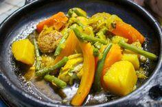 Lo que debes comer en Marruecos en tu primera vez. Tajín de pollo y verduras.